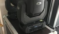 Selling moving head + flightcases