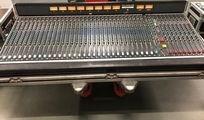 Soundcraft 8000 Analog-Mischpult 34-Kanal