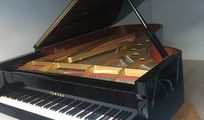 Grand concert piano Yamaha to sell