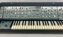 suche: Roland SH-5 Synthesizer
