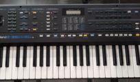 Roland E-35 Synthesizer mit Netzteil (original), Ständer und Tasche !