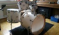 """Schlagzeug DW Design white satin (matt weiss) + 14"""" ST"""