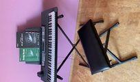 Yamaha EZ 200 Keyboard mit Leuchttasten
