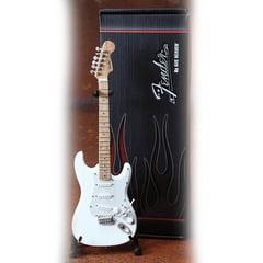 Axe Heaven Fender Stratocaster White